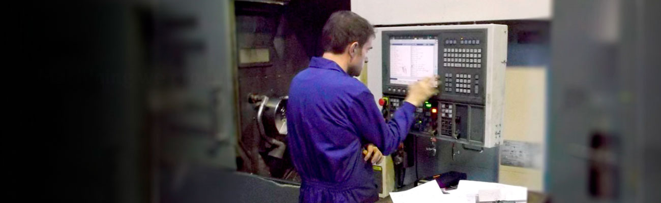 We produce metal parts by machining for different sectors